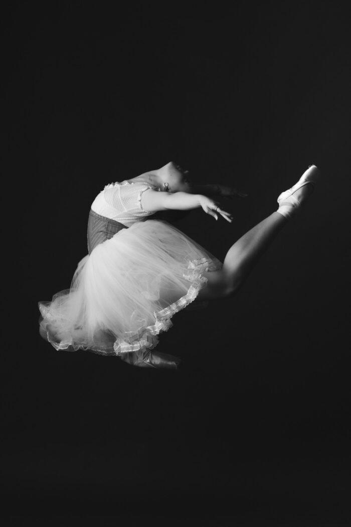 ballerina Clara Kearl jumping